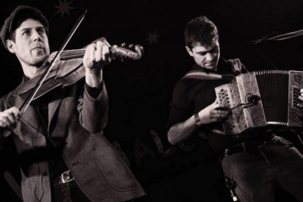 Folk at the New Room presents The Tarzanelli Brothers